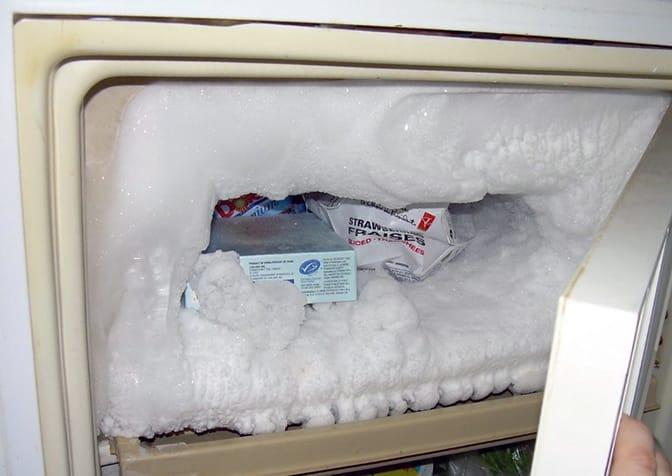 как разморозить морозилку не выключая холодильник