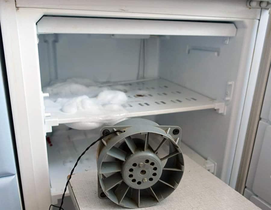 Размораживание морозильной камеры При помощи вентилятора