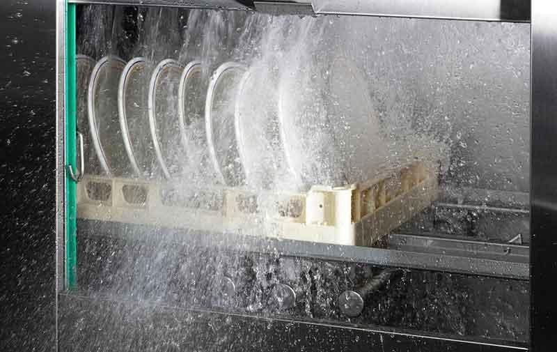 Сколько ополаскивателя заливать в посудомоечную машину