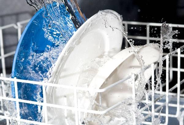 Почему посудомоечная машина не сушит посуду: посуда в посудомойке мокрая