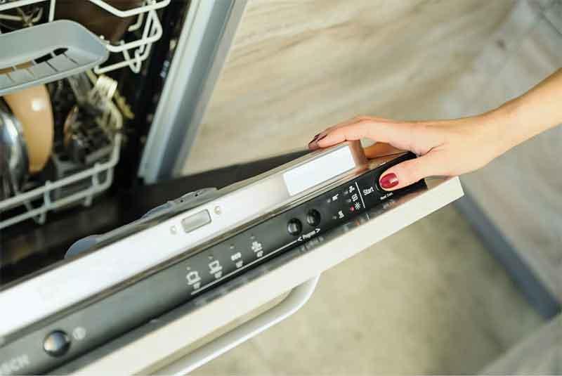 Почему не включается посудомоечная машина: виды неисправностей