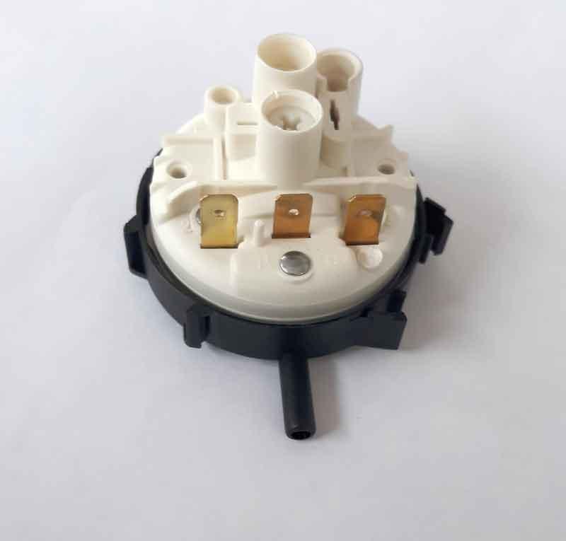 Почему посудомоечная машина не набирает воду: причины неисправности
