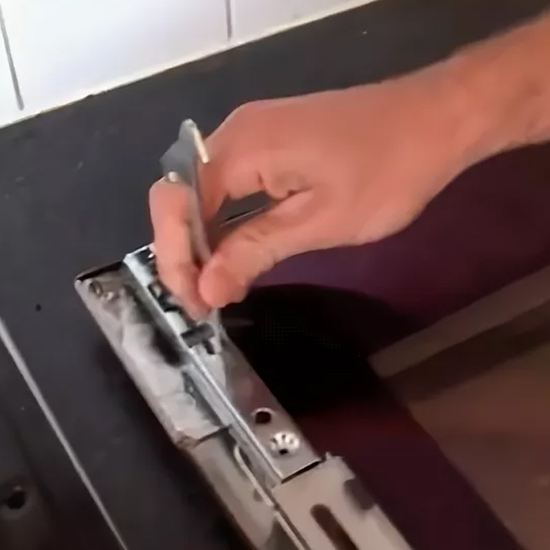 Как отрегулировать дверцу духового шкафа